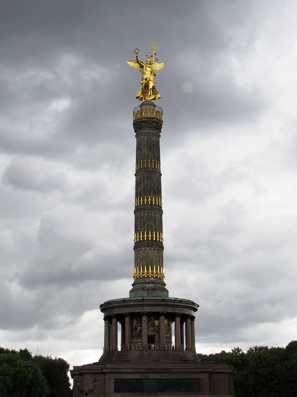 siegessaule-berlin-landmark-sky-64726.jpeg